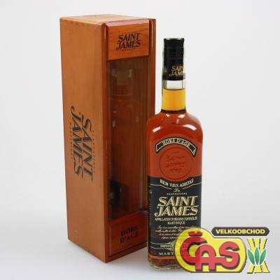 RUM SAINT JAMES HORSE D AGE 0.7l 43% døevìný box